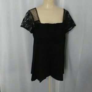 Skyes the limit black top